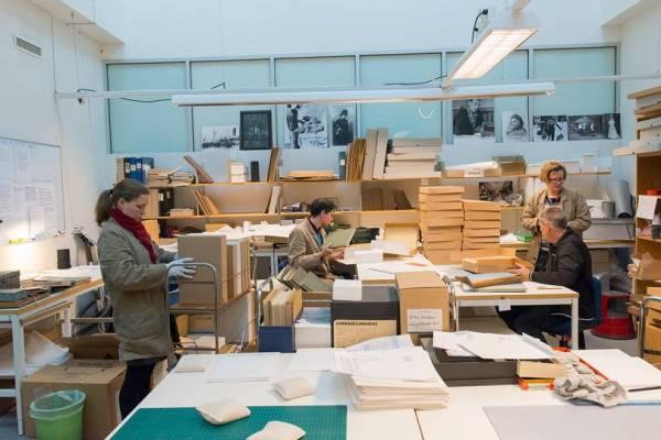 Flyttförberedelser vid Nordiska museet arkiv, fotograf: Emma Fredriksson